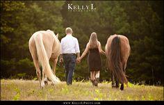 covington-engagement-horses