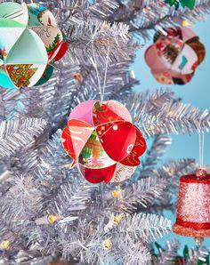 Easy Christmas Ornaments, Easy Christmas Decorations, Christmas Card Crafts, How To Make Ornaments, Handmade Christmas, Holiday Cards, Christmas Ideas, Origami Christmas, Christmas Blessings