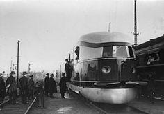 Der Schnell-Triebwagen vor seiner ersten Probefahrt nach Hamburg auf dem Lehrter Bahnhof in Berlin.