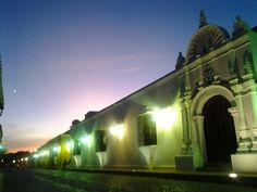 """Crepúsculo Coriano, Casa de las Ventanas de Hierro. - Dusk in Coro, Venezuela. """"House of the Iron Windows"""""""