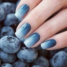 Weddbook ♥ Adorable blueberry nails, get this beautiful nail art done on your ails. A perfect color combination and will reflect the beauty of your hands. This blueberry nail paint will match to any outfit you will wear for party Easy Nails, Simple Nails, Cute Nails, Trendy Nails, Halloween Nail Designs, Halloween Nails, Halloween Ideas, Ombre Nail Designs, Nail Art Designs