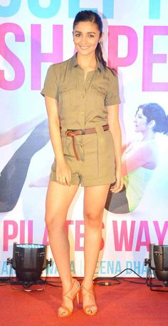 Katrina, Alia unveil fitness book Sculpt and Shape: The Pilates Way Bollywood Actors, Bollywood Celebrities, Bollywood Fashion, Beautiful Indian Actress, Beautiful Actresses, Alia Bhatt Varun Dhawan, Alia Bhatt Photoshoot, Western Outfits, Latest Pics