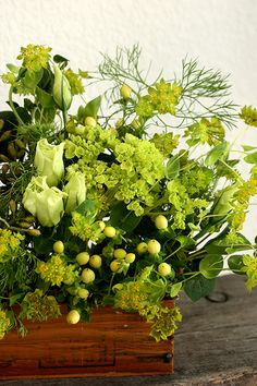 An arrangement in varying shades of yellow-green can be so interesting.
