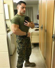 Cop Uniform, Men In Uniform, Military Pictures, Army Men, Good Looking Men, How To Look Better, Handsome, Husband, Guys