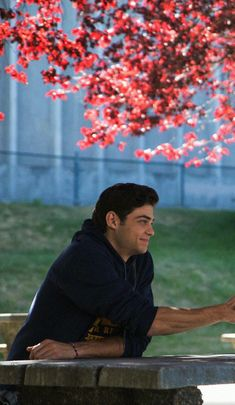 """Noah Centineo as Peter Kavinsky, """"To All The Boys I've Loved Before"""" (on Netflix), 2018 Movie Wallpapers, Cute Wallpapers, Wallpaper Wallpapers, Movie Couples, Cute Couples, Bff, Cute Couple Wallpaper, Lara Jean, I Still Love You"""