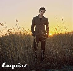 Lee Dong Wook Pairs Perfectly with Esquire Korea for Winter Beach Pictorial - A Koala's Playground