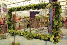 chelsea flower show 2019 images - Google Search Chelsea Flower Show, Lily Painting, Modern Garden Design, Large Flowers, Floral Arrangements, This Is Us, Floral Design, Fair Grounds, Modern Gardens