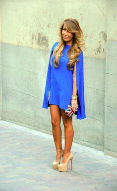 Vestido capa azul
