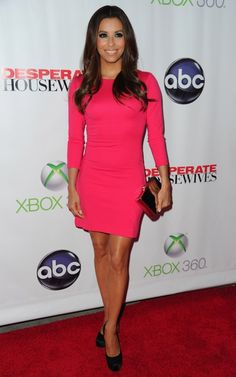 At the Desperate Housewives Series Finale Party, Eva Longoria went for affordability in an Ann Taylor mini dress. Eva Longoria Desperate Housewives, Types Of Dresses, Dresses For Work, Xbox, Girl Trends, Vogue, Dress Cuts, Little Girl Dresses, The Dress