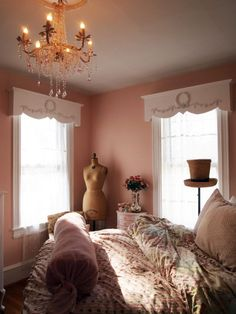 Sweet room, although I don't like the color of the walls.   *Painted Cottage Chic Shabby Handmade Window Valance frame is by paintedcottages, $125.00
