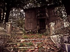 Abandoned house (Santander, Spain)