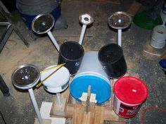 Here is the drum kit pre-painting and you can get a better look at the materials: paint cans, buckets and PVC. Erika reports that even the kick drum works.Thanks Erika! Drum Lessons For Kids, Drums For Kids, Paint Buckets, Paint Cans, Homemade Drum, Drums Quotes, Drums Girl, Drums Electric, Drums Artwork