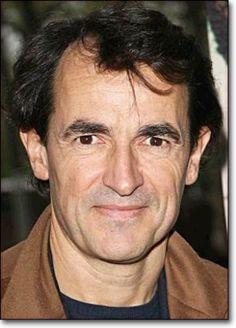 Albert Dupontel,[1] né le 11 janvier 1964 à Saint-Germain-en-Laye, est un acteur, réalisateur, scénariste et humoriste français
