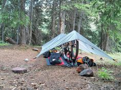 Bikepacking campsite, seems really comfy to me :) Bushcraft Camping, Camping Survival, Outdoor Camping, Outdoor Gear, Bivy Tent, Touring Bike, Bike Accessories, Cycling Bikes, Plein Air