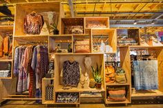 urban outfitters store design - Pesquisa Google