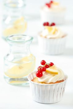 beautiful lemon/limoncello cupcakes...a  buzz off a cupcake!? yes please..