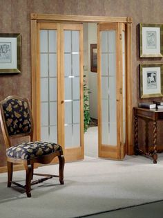 Wooden Bifold Closet Doors With Mat Glass Inserts