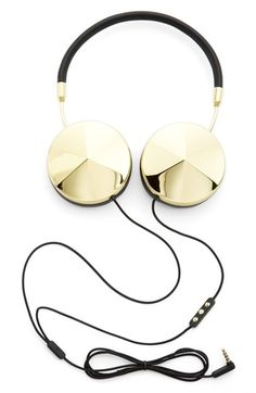 Free shipping and returns on Frends with Benefits 'Taylor' Headphones at Nordstrom.com. Indulge in opulent accessorizing with leather-wrapped headphones. A soft-touch fabric cord delivers authentic, natural sound from a premium 40mm driver, while memory-foam ear cushions keep it comfy. Enjoy easy use with all your devices courtesy of a three-button mic with volume, music and phone controls.