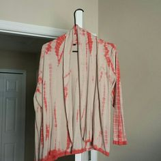 Cardigan Women's open front cardigan, size 1x. Pet and smoke free home. Sweaters Cardigans