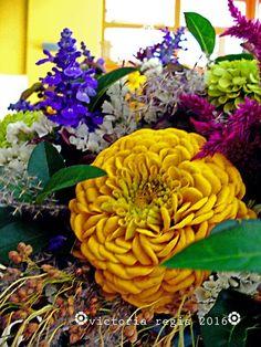 ✿ Fall Decor, Flower Arrangements, Wreaths, Victoria, Flowers, Plants, Autumn, Home Decor, Floral Arrangements