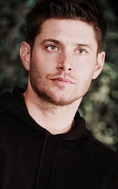 He's so handsome and he faces better than my face Fuck! || SUPERNATURAL