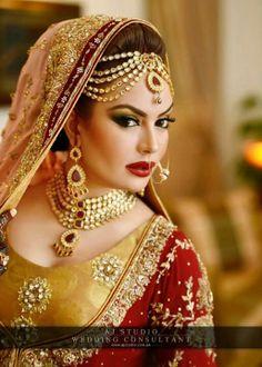 Sadia imam in Pakistani bridal style Best Bridal Makeup, Indian Bridal Makeup, Asian Bridal, Bridal Beauty, Wedding Beauty, Wedding Makeup, Bridal Hair, Bridal Looks, Bridal Style