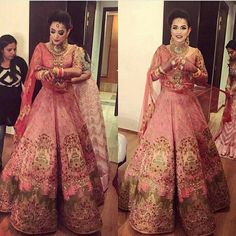 Beautiful lengha and jewelry love the whole look! #indianwedding #indian #punjabi #sikh #lengha #wedding #jewelry