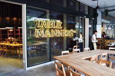 Table Manners. List of SIngapore's top 20 inexpensive restaurants/cafes.