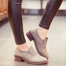 Zapatos de cuero para mujeres 2015 del estilo del verano para Mujer Slip On punta redonda remaches pisos mocasines Zapatos de Mujer Sapatilhas XWX2282(China (Mainland))