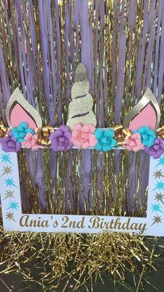 Unicorn Photo Prop Bday Girl, 1st Birthday Girls, Unicorn Birthday Parties, Birthday Diy, Birthday Ideas, Party Photo Frame, Photo Booth Frame, Unicorn Photos, Birthday Frames