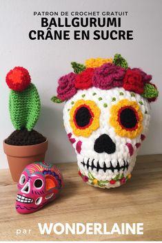 Beautiful Sugar Skull Amigurumi, Get the FREE Pattern! Beautiful Sugar Skull Amigurumi, Get the FREE Pattern! Crochet Skull Patterns, Halloween Crochet Patterns, Crochet Motifs, Crochet Patterns Amigurumi, Crochet Dolls, Crochet Designs, Holiday Crochet, Crochet Gifts, Cute Crochet
