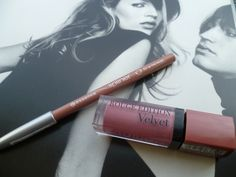 Talking the 90's nude lip trend and my current favourite combination. #bbloggers #beauty #nudelips #90s #trend #autumn #katemoss #kyliejenner #drugstore http://www.pixielashes.blogspot.co.uk