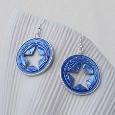 Boucles d'oreilles rondes bleues perforation étoile en capsules alu recyclées