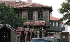 bg traditional old house- in Pomorie