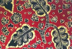 Batik Jambi. Tercatat lebih dari 31 motif batik tulis jambi yang masih dapat dijumpai, seperti candi muara jambi, kaca piring, puncung rebung, angso duo bersayap mahkota, bulan sabit, pauh (mangga), Antlas (Tanaman), Awan Berarak, dan Riang-Riang.