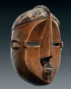 Democratic Republic of Congo. Lwlu Nkaki mask