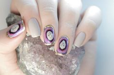 Easy Geode Nails in ONE MINUTE