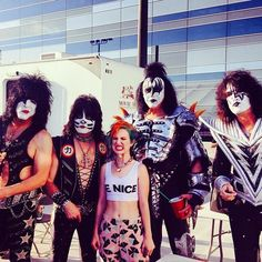 Hayley with Kiss