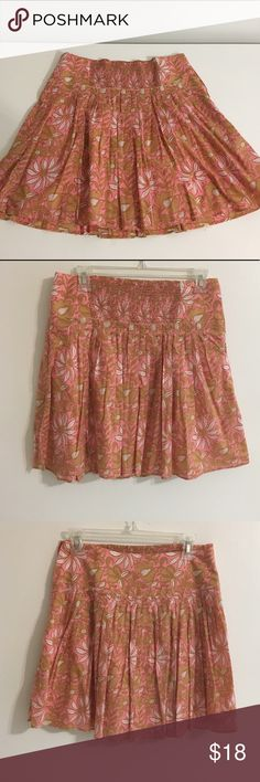 Floral skirt banana republic size 2 made in India Used floral skirt by banana republic. Size 2 in good condition. Made in India. 100% cotton Banana Republic Skirts