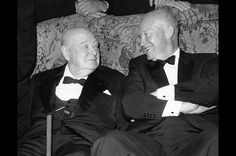 1959年9月1日、終戦から14年を経てロンドンを訪問したドワイト・D・アイゼンハワー大統領と談笑するチャーチル。