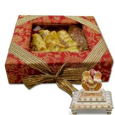 Baklava and Marvelous Idol of Lord Ganesha Small Wooden Boxes, Small Gift Boxes, Small Gifts, Friendship Day Gifts, Chocolate Delivery, Like Chocolate, Lord Ganesha, Our Love, Decorative Boxes