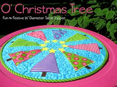 Christmas Tree Table Topper for Fons and Porter Easy Quilts from Whistlepig Creek Productions - cuuute!