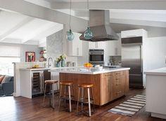 Cuatro ideas originales con taburetes para tu isla de cocina | Blog Arquitectura y Diseño