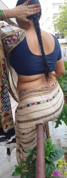 Beautiful Girl In India, Beautiful Black Women, Indian Actress Hot Pics, Beautiful Indian Actress, Saree Backless, Aunty In Saree, Curvy Women Fashion, Indian Beauty Saree, Indian Girls