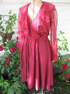 Your place to buy and sell all things handmade 70's Style, Wrap Style, 70s Fashion, Fashion Dresses, Womens Fashion, Viva Glam, Sash Belts, Plunging Neckline, Ruffles