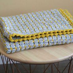 Stoere gehaakte babydeken – Cuddlycool Crochet Home, Love Crochet, Crochet Granny, Filet Crochet, Baby Blanket Crochet, Crochet Yarn, Easy Knitting Patterns, Loom Knitting, Crochet Patterns