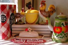 colorful vintage collectibles: Becky Schultea's cottage