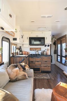 Mountain Modern Motorhome Photo Gallery - - Come see how an outdated RV was transformed into a Mountain Modern Motorhome! Casas Trailer, School Bus Tiny House, Bus Living, Living In A Camper, Tiny House Living, Rv Homes, Tiny Homes, Travel Trailer Remodel, Travel Trailers
