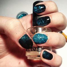Full of glitter nails
