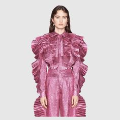 Shop the Gucci Official Website. Browse the latest collections, explore the campaigns and discover our online assortment of clothing and accessories. Fashion 2017, Couture Fashion, Luxury Fashion, Womens Fashion, Fashion Brenda, Fur Skirt, High Fashion Dresses, Pleated Shirt, Red Carpet Gowns